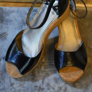 Fergalicious by Fergie Wedge Sandals Sz 8
